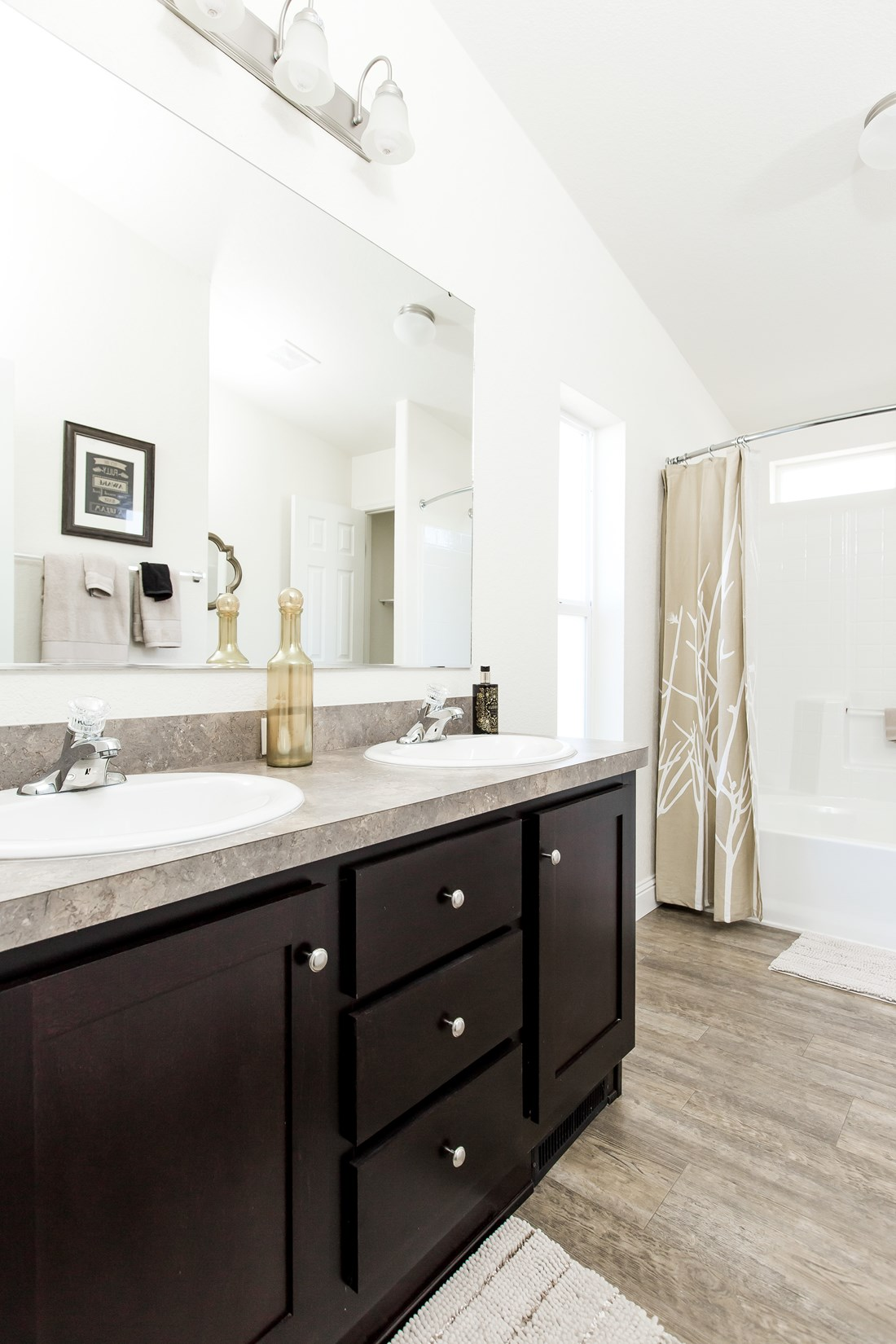 The CK522F Master Bathroom. This Manufactured Mobile Home features 4 bedrooms and 2 baths.