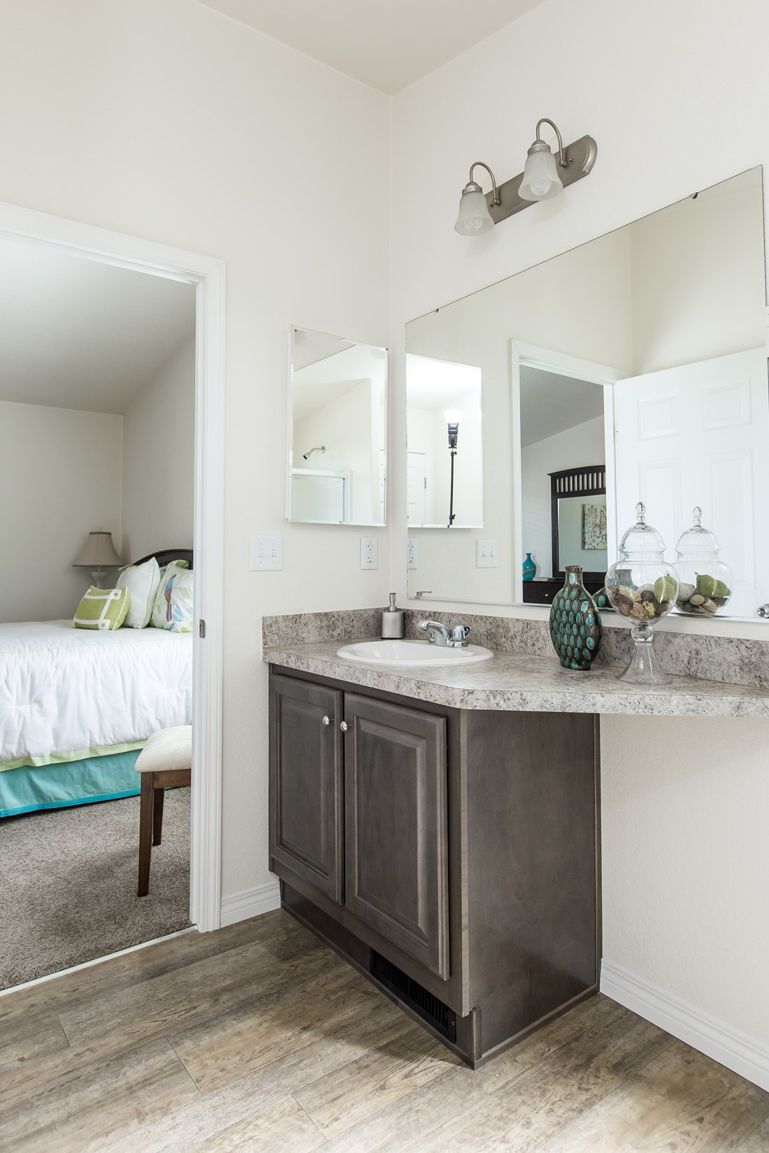 The GE441A Master Bathroom. This Manufactured Mobile Home features 3 bedrooms and 2 baths.